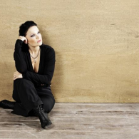 tarja-promo-different-1-32