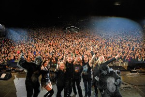Nightwish, концерт в Норвегии, фото с обезьянами