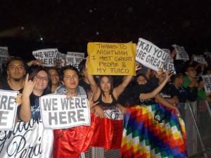 Фанаты на концерте, фото