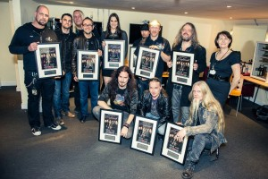 Nightwish, фото со свидетельствами об аншлаге на концерте в Уэмбли