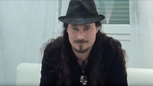 Туомас Холопайнен, фото интервью