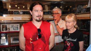 Туомас Холопайнен, фото с родителями